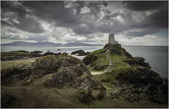 Lighthouse on Llanddwyn Island (Charles Connor) Tags: llanddwynisland anglesey northwales twrmawrlighthouse lighthouses landscapephotography landscape clouds dramaticskies skies leadinglines seascapes rocks canondslr