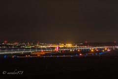 P2070976 (aander878) Tags: gelb night langzeitbelichtung longexposure stuttgart str airport dakni dmcgx7 olympus45mmf18 etm4518