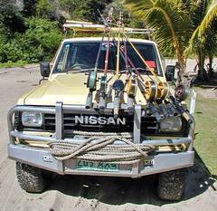 Nissan Geländewagen mit Angeln auf Fraser Island (Sanseira) Tags: australien australia queensland fraser island 2001 geländewagen nissan angeln