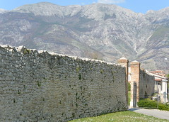 long stone wall (Hayashina) Tags: abruzzo sulmona italy stonewall mountain hww sundaylights