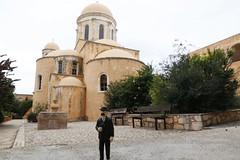 2018-11-16 Dupont on tour - Moni Agia Triada, Kreta.