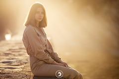 LOU (popz.photographie) Tags: goldenhour smile girl beautiful lights