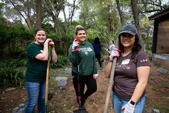 Alternative_Break_20190319_0017 (Sacramento State) Tags: sacramentostate sacstate californiastateuniversitysacramento universitycommunications hornets jessicavernone alternative break spring volunteer community engagement center solar house living building