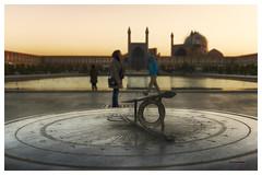 Reloj de sol - Sundial (bit ramone) Tags: reloj sundial relojdesol isfahán irán viajes travel asia bitramone pentax pentaxk3ii sunset atardecer nagshsejahan اصفهان ispahán