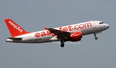 G-EZEW (Ken Meegan) Tags: gezew airbusa319111 2300 easyjet berlin schoenefeld 2852008 airbusa319 airbus a319111 a319