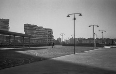 C02_F80_20190204_012_JPEG 2000 (Domenico Cichetti) Tags: milano citylife olympus olympusxa studional fomapan100 monocrome bw blackwhite blackandwhite bn argentique selfdevelope architecture