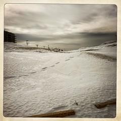 J'habite en ville... (woltarise) Tags: rosemont quartier montréal stationnement centredachats neige dépôt hipstamatic iphone6s