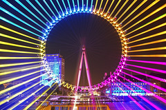 Verso un'altra dimensione / Towards another dimension (London Eye, London, United Kingdom) (AndreaPucci) Tags: londoneye london uk zooming night andreapucci