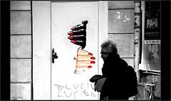 Affinités.... (mamasuco) Tags: nikon d7000 paris ngc noiretblanc graffitis streetart