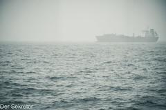 Geisterschiff vor Helgoland! ---Ghost ship off Helgoland! (der Sekretär) Tags: brücke deutschland geisterschiff germany helgoland horizont meer ocean ozean schiff schleswigholstein see bridge ghostship horizon phantomship sea ship vessel