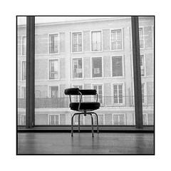 seat • le havre, normandy • 2018 (lem's) Tags: seat siege building immeuble city ville urban windows fenetres le havre normandy normandie minolta autocord