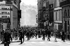 Acte XXII Toulouse (VincentS31.) Tags: acte xxii gilets jaunes toulouse nikon manifestation crs police lbd rue foule peuple noir et blanc nb black white extérieur macron actualité