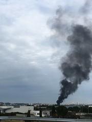 Gilets jaunes et fumée noire à Nîmes ! - IMG_5595 (6franc6) Tags: occitanie languedoc gard nîmes 30 décembre 2018 6franc6 vélo kalkoff vae insolite pollueur