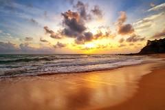 190203 ~ IMG_6605 ~ bayang (alongbc) Tags: sunrise reflection beach sand coast coastline seascape shoreline cloud sea sky waves telukbidara kualadungun dungun terengganu malaysia travel place trip canon 700d canoneos700d canonlens 10mm18mm wideangle