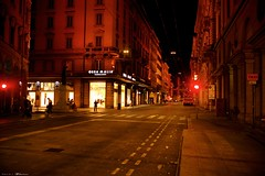 Voyage en Italie 2018   0897 (Distagon12) Tags: italy italia italie sonya7rii summilux street streetphoto strada rue night nuit nightphoto nacht notte noche wideaperture bologna bologne