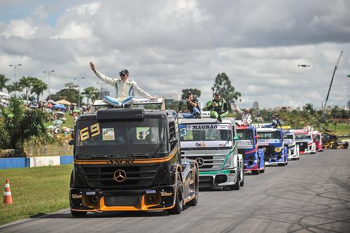 24/03/19 - O tradicional desfile dos pilotos da Copa Truck em Goiânia - Fotos: Duda Bairros e Vanderley Soares