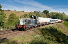 ça désherbe dans la Loire (videostrains) Tags: sncf train rail railway desherbeur infra loco arzens fret forez voie ferree bb66000 bb66171
