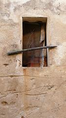 FONTCLARA - FINESTRA (Joan Biarnés) Tags: fontclara palausator baixempordà girona catalunya finestra ventana 290 panasonicfz1000