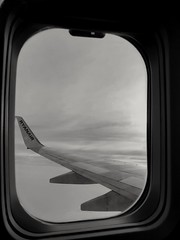 Dream to be a traveler (saza.zanella) Tags: air airplane travelling travel traveler world viaggiare photography photo sky orizon landscape details life italy italia ryanair huawei huaweicam blackandwhite blackandwhitephotography lowlight lowlightphotography