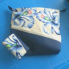2016-07-26 14.02.02 (Indy Vidual) Tags: handtasche geldbörse portemonnaie geldbeutel purse wallet bag handbag blau blue flower blume funfabric pattydoo