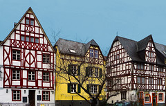 Half-timbered El Dorado (TablinumCarlson) Tags: europe germany deutschland brd rheinlandpfalz rheinland mosel enkirch haus building bacchus wein wine leica dlux 6 moselle architektur gebäude europa tür eingang door fassade facade fachwerk fachwerkhaus winzer winery maker andre window fenster timber framed halftimbered weinhaus peter eller edingereller