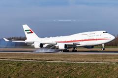 BSL ➡️ A6-DAW Boeing 747-400 Dubai Air Wing (Stephane GolfTraveller) Tags: a6daw boeing 747400 dubaiairwing aeroport airport planespotting ©stephanegolftraveller bsl mlh euroairport basel mulhouse flughafen lfsb canon 747 airliners sky plane panning touchdown uae unitedarabemirates government