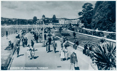 Torquay - Promenade - Sunken Gardens Prior to 1946 (pepandtim) Tags: postcard old early nostalgia nostalgic torquay promenade sunken gardens ra series seal artistic excellence london real photograph focus printed england 1946 changeover day holidaymakers car 46tps73