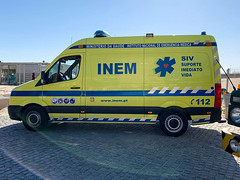 INEM - Volkswagen Crafter (LX112 Emergency Photography) Tags: inem vmer portugal portuguese emergency medical services ems volkswagen vw crafter ambulance ambulancia emergencia medica suporte imediato vida immediate life support