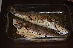 Jusqu'à la mort nous sépare (Agathe Adakou) Tags: food fish poisson poissons cusine spicy épices enlacés enlacer