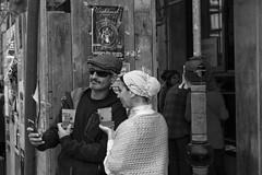 gente en Santo Tomás (samarrakaton) Tags: bilbao bilbo bizkaia 2018 santotomás feria samarrakaton nikon d750 2470 gente people urbana urban callejera street byn bw blancoynegro blackandwhite monocromo