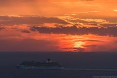 Puesta de sol. (AGONZA) Tags: mar sol mediterráneo ángel mallorca color cielo nubes