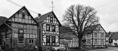 Eichelsachsen (wernerfunk) Tags: architektur dorf village schwarzweiss blackwhite hessen