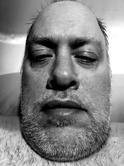 Day 2526: Day 336: Too close (knoopie) Tags: 2018 december iphone picturemail doug knoop knoopie me selfportrait 365days 365daysyear7 year7 365more day2526 day336 blackandwhite