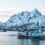 snow ship sea thumbnail