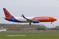B737-8KN A6-FDP ( N832SY) SUN COUNTRY colours (shanairpic) Tags: jetairliner passengerjet b737 boeing737 flydubai suncountry a6fdp n832sy shannon