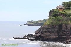 The seawalls of El Salvador's La Paz Area (Sebastiao P Nunes) Tags: elsalvador spnunes snunes nunes spereiranunes canoneos70d playa praia seashore costa ocean pacific oceanopacifico seawall