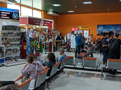 "Inside the International ""Abel Santamaría"" airport in Santa Clara, Cuba (lezumbalaberenjena) Tags: santa clara villas villa villaclara santaclara cuba 2019 lezumbalaberenjena aeropuerto airport internacional international abel santamaría santamaria cuban plane airplane avión avion flight tarmac"