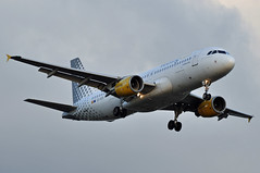 EC-KDX  CDG (airlines470) Tags: msn 3151 a320216 a320 a320200 vueling airlines cdg airport ex clickair as eckdx