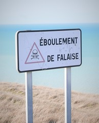 Danger (roomman) Tags: 2019 france ault bois de cise boisdecise hike hiking walk walking trail nature landscape village coast sea water atlantik atlantic channel sign direction danger eboulement falaise cliff cliffs white rock steep