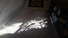 31 - Paris - Février 2019 - un escalier dans le bâtiment de la Bourse de Paris (paspog) Tags: paris france ombre ombres shadow shadows escalier stairs boursedeparis février februar february 2019