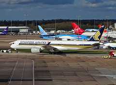 9V-SMS Airbus A350-900 of Singapore Airlines (SteveDHall) Tags: aircraft airport aviation airfield aerodrome aeroplane airplane airliner airliners 2019 ringway manchester manchesterairport man egcc 9vsms airbus a350900 airbusa350900 a359 a350 airbusa350 sia sq sin singapore singaporeairlines