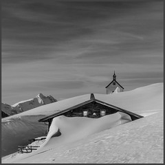silence (genelabo) Tags: silence stille sonnwendjoch mangfallgebirge hinteres tirol bayerischen voralpen brandenberger alpen alps mountain berge sky blue himmel sun sonne view skitour skiing ski monochrome scharte landscape mountainside kapelle alm hut church black white schwarz weiss square quadrat winter