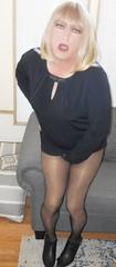 DSCN1749_pp (DianeD2011) Tags: crossdresser cd crossdress crossdressing stockings tg tranny transvestite tgirl tgurl pantyhose fishnet