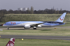 TUI 787-9 G-TUIK at Birmingham Airport BHX/EGBB (dan89876) Tags: tui uk tomson tomjet boeing 787 dreamliner gtuik b789 7879 canon eos 7d mark ii ef100400mm f4556l is usm birmingham international airport bhx egbb