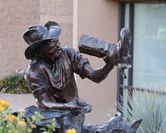 Artwork at Fountain Hills, Arizona Library & Museum VII (eoscatchlight) Tags: artwork statue fountainhills arizona