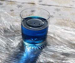 54/118. Experimental (hattyu) Tags: 2018 118picturesin2018 experiment kisérlet oil olaj water viz glass pohárl