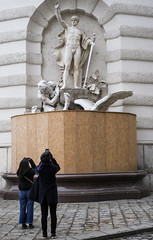 Mythology (CoolMcFlash) Tags: mythology flickrfriday street streetphotography candid statue citylife vienna fujifilm xt2 people strase wien personen fotografie photography timing humor xf35mmf14 r