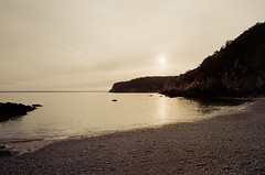 Sunset (leniners) Tags: 2018 france saint hernot sainthernot presquile crozon presquiledecrozon bretagne brittany beach plage finistere silbersalz35 leica m6 leicam6