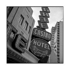 golden gate • las vegas, nv • 2018 (lem's) Tags: golden gate casino hotel neon street rue marquee sign enseigne las vegas nevada nv rolleiflex t