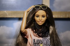 the beachhouse babes: delilah with sunglasses (photos4dreams) Tags: dress barbie mattel doll toy photos4dreams p4d photos4dreamz barbies girl play fashion fashionistas outfit kleider mode puppenstube tabletopphotography diorama scenes 16 canoneos5dmark3 delilah minikleid minidress